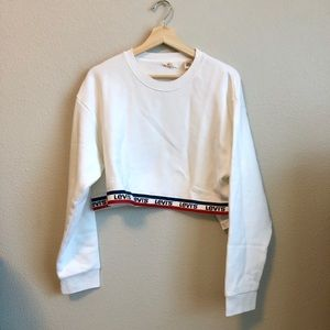Cropped Levi's pullover